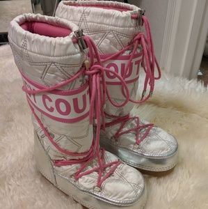 Juicy Couture Moon Boots size 6